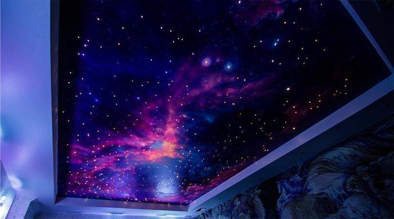 Как подобрать двухуровневые натяжные потолки звездное небо?